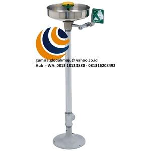 AXION® MSR Pedestal Mount Eye/Face Wash Model: 7361-7461