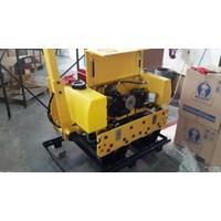 Distributor Mesin Pemadat Tanah Vibratory Roller Dynamic RS600D 3