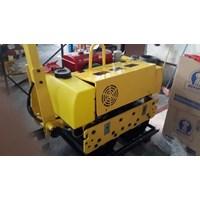 Mesin Pemadat Tanah Vibratory Roller Dynamic RS600D Murah 5