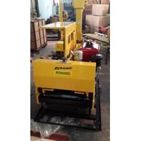 Mesin Pemadat Tanah Vibratory Roller Dynamic RS600D