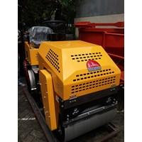 Mesin Pemadat Tanah Vibratory Roller Furd FYL880D