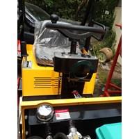 Jual Mesin Pemadat Tanah Vibratory Roller Furd FYL880D 2