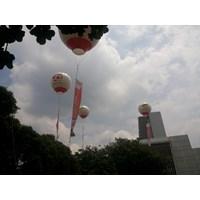 Balon udara promosi event seri x