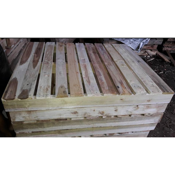 Pallet Kayu Medium Two Way Entry Pallets