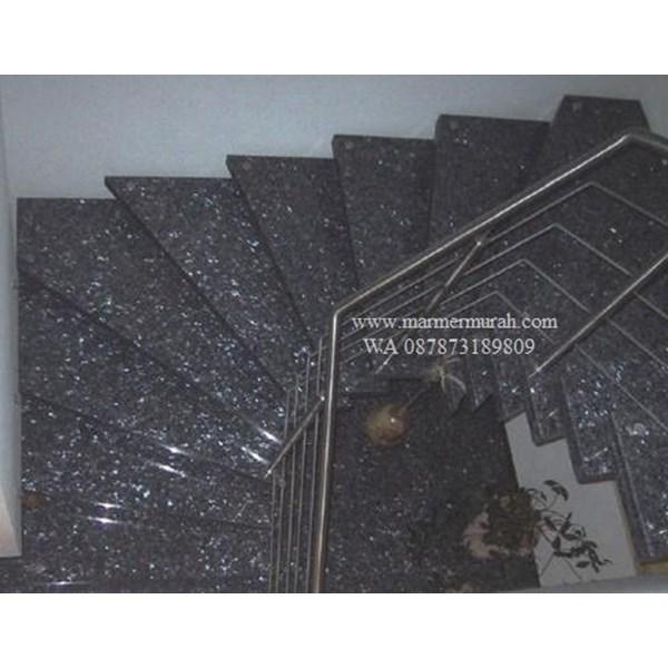 Tangga Granit Hijau Tua Mata Kucing Import (T15)