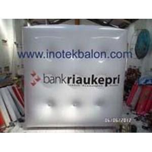 Balon Udara Kotak Terbang Di Udara By PT  Inovasi Teknologi Balon