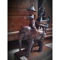 Patung Gajah Kayu (Okt.16.123.R)