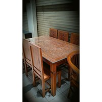 Dining table 6 Chairs (AW. 16.61 Oct.)
