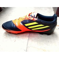 Sepatu Olahraga Bola Adidas F50 Size 41 (Des.16.64.S)