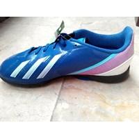 Jual Sepatu Olahraga Adidas Futsal size 37 (Des.16.115)