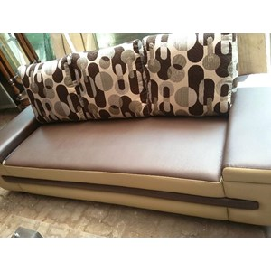 jual sofa coklat 3 1 meja harga murah bekasi oleh garage sale kemang. Black Bedroom Furniture Sets. Home Design Ideas