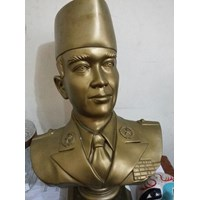 Jual Patung Tanah Liat Sukarno