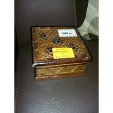 Kerajinan Kayu Kotak Perhiasan Kecil