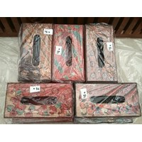 Kerajinan Kayu Tempat Tisu Batik