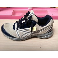 Sepatu Olahraga Reebok Size 40