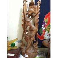 Kerajinan Kayu Patung Wanita Bali