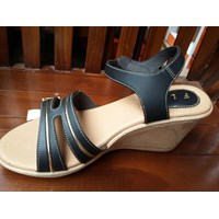 Sepatu Casual FLD Wedges