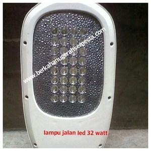 lampu jalan 32 watt