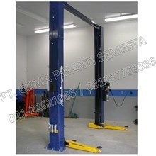 Two Post Lift Model Gawang (2 Post Lift 3.5Ton Challenger)