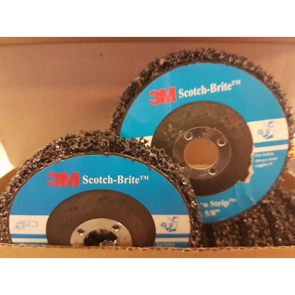 3M Clean Strip Scotch Brite