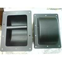 Handel Besi Hitam Box Speaker 1