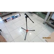 Stand Mikrofon Kaki 3 Segitiga Besi