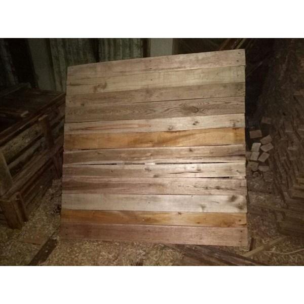 sardines wooden pallets