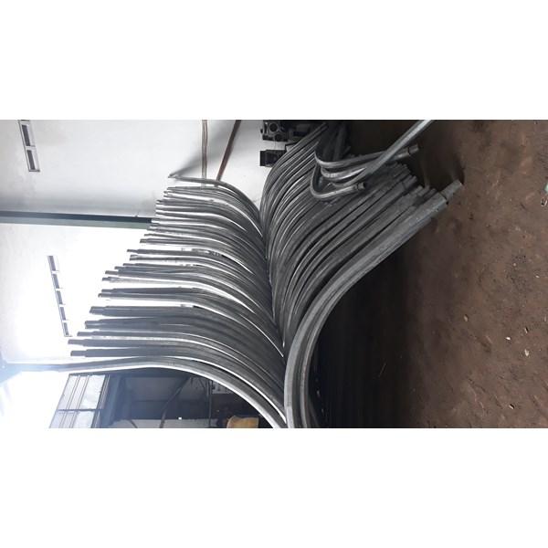 Tiang PJU 7M double parabol