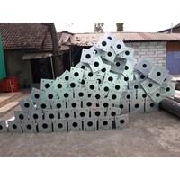 Tiang PJU Oktagonal 7 Meter Single Parabol