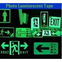 Jual Glow in the dark Sticker Sign