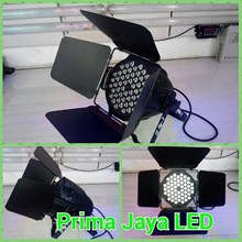 Fresnel LED 54 RGB 3in1