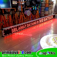 Running Text Outdoor Merah 293 X 21cm