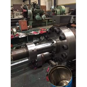 Large hydraulic cylinder2