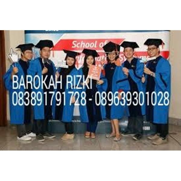 Baju Toga Graduation 2