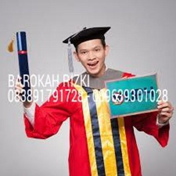 Baju Toda Wisuda Universitas