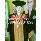 perlegkapan graduation  8
