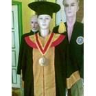perlegkapan graduation  2