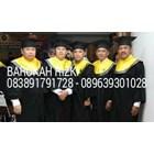 perlegkapan graduation  6