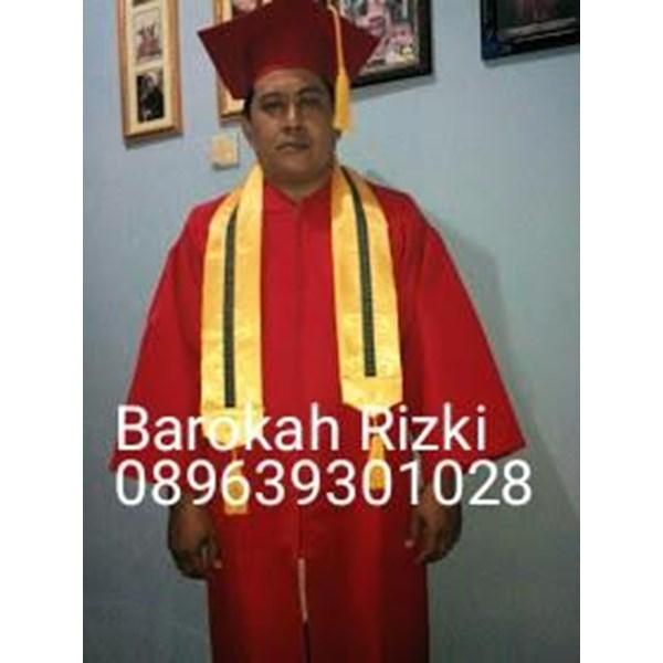 perlegkapan graduation