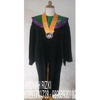 Distributor Baju Toga Wisuda graduation 3