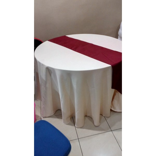 Round table cloth + Runner