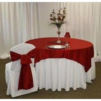 COVER A TABLE (TABLE SKIRTING)