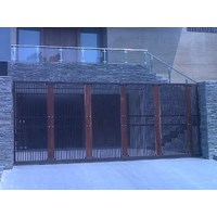 Pintu gerbang dan balkon railing kaca stainless stell 1