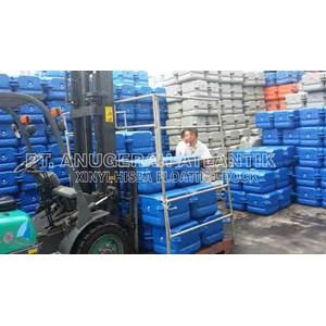 Industri konstruksi laut dari kubus apung HDPE