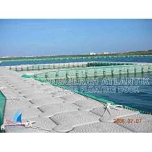 kolam renang apung dari bahan kubus apung HDPE