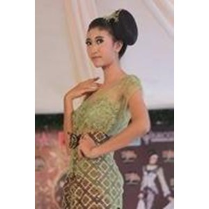 Sekolah busana surabaya By Alvera Fashion And Creative