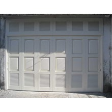 Minimalist Garage Door