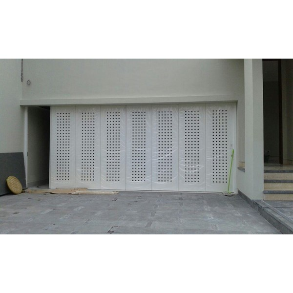 Pintu Garasi Minimalis