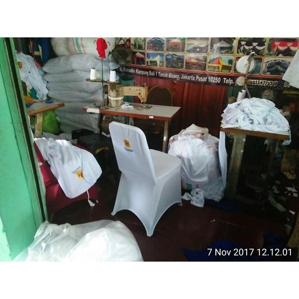 Sarung kursi press putih