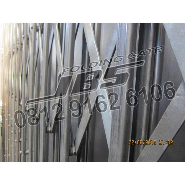 Suplier Folding Gate JBS Door